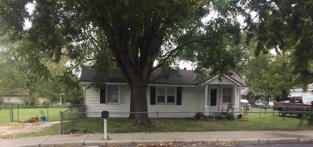 2949 W Calhoun Street, Springfield, MO 65802 (MLS #60149306) :: Sue Carter Real Estate Group