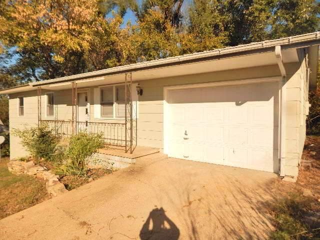 702 E Washington, Ava, MO 65608 (MLS #60150039) :: Sue Carter Real Estate Group