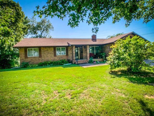 914 W Pleasant Street, Aurora, MO 65605 (MLS #60150644) :: Team Real Estate - Springfield