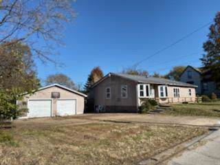 118 E Maple Street, Mansfield, MO 65704 (MLS #60151408) :: Sue Carter Real Estate Group
