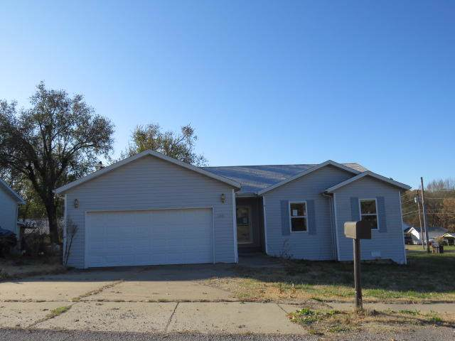1001 Elm Avenue, Ava, MO 65608 (MLS #60152095) :: The Real Estate Riders