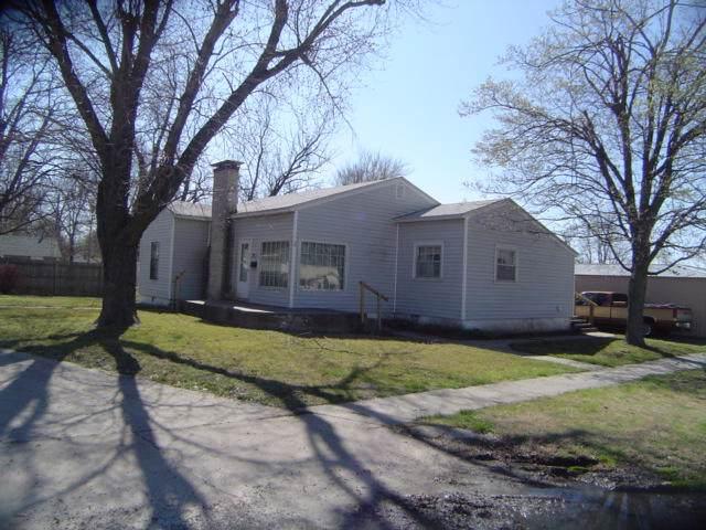 12 W Church Street, Aurora, MO 65605 (MLS #60152657) :: Sue Carter Real Estate Group