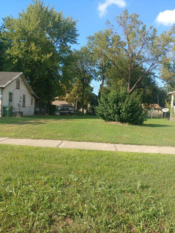 1321 W Chase Street, Springfield, MO 65803 (MLS #60153058) :: Team Real Estate - Springfield