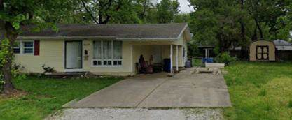 2517 W Lynn Street, Springfield, MO 65802 (MLS #60153787) :: Sue Carter Real Estate Group