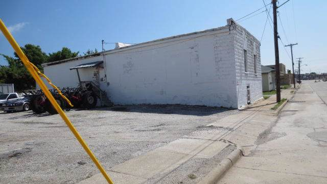 823 Commercial Street - Photo 1