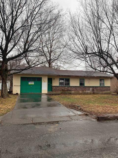 1806 Garland Douglas, Neosho, MO 64850 (MLS #60155695) :: Team Real Estate - Springfield