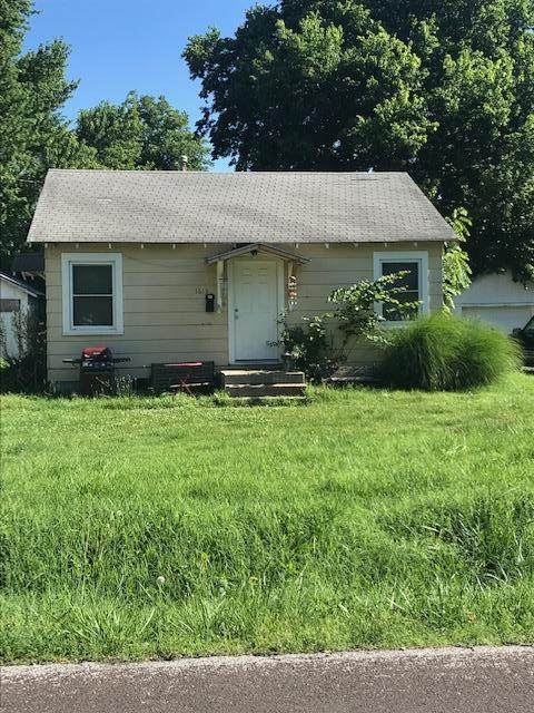 1613 W Webster Street, Springfield, MO 65802 (MLS #60156636) :: Clay & Clay Real Estate Team