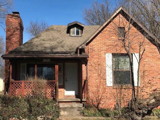 2941 W Grand Street, Springfield, MO 65802 (MLS #60158030) :: Winans - Lee Team | Keller Williams Tri-Lakes