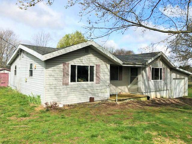 19423 State Hwy 86, Cassville, MO 65625 (MLS #60160475) :: Winans - Lee Team | Keller Williams Tri-Lakes