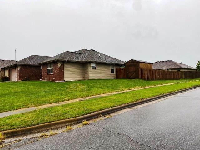 401 Haylee Court, Aurora, MO 65605 (MLS #60163826) :: Winans - Lee Team | Keller Williams Tri-Lakes