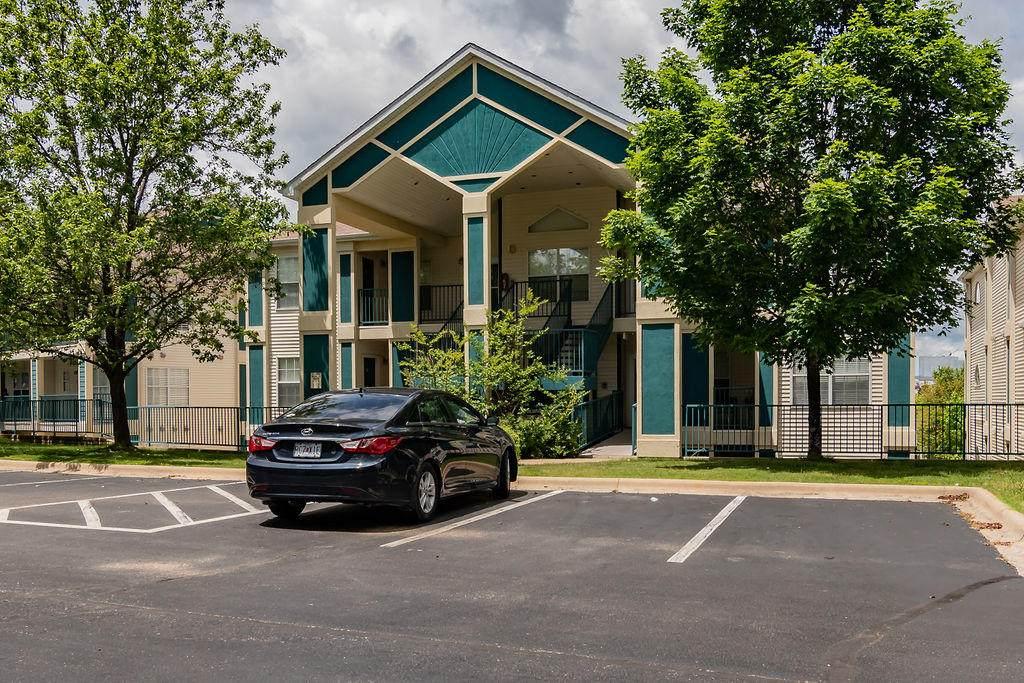 510 Spring Creek Court - Photo 1