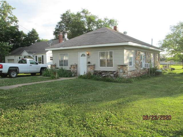 117 S School Street, Goodman, MO 64843 (MLS #60167375) :: Team Real Estate - Springfield
