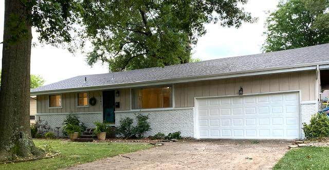 3061 S Dayton Avenue, Springfield, MO 65807 (MLS #60172353) :: The Real Estate Riders