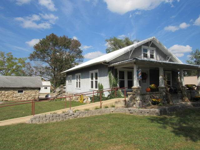 303 E State Street, Mountain Grove, MO 65711 (MLS #60174642) :: Team Real Estate - Springfield