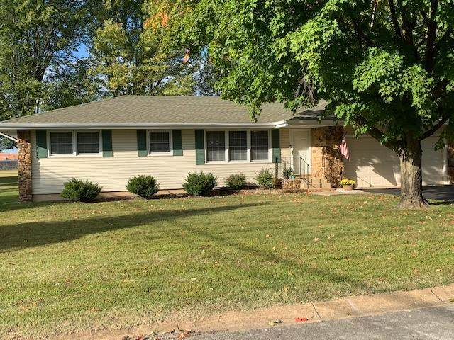 817 E Bedford Street, Marshfield, MO 65706 (MLS #60174913) :: Team Real Estate - Springfield