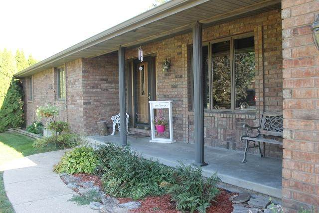 1102 E Fifteenth Street, Mountain Grove, MO 65711 (MLS #60176144) :: Evan's Group LLC