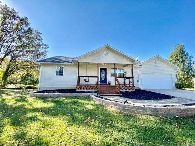 2425 Private Rd 2015, West Plains, MO 65775 (MLS #60176659) :: Winans - Lee Team | Keller Williams Tri-Lakes