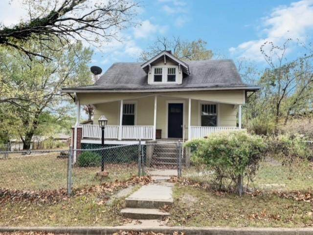 2622 E Yuma Street, Joplin, MO 64801 (MLS #60176945) :: Sue Carter Real Estate Group