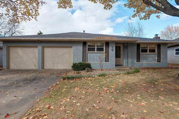 719 E Rosebrier Street, Springfield, MO 65807 (MLS #60177963) :: Winans - Lee Team | Keller Williams Tri-Lakes