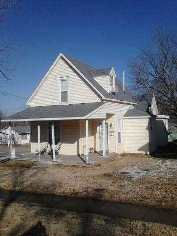 501 S Main Street, El Dorado Springs, MO 64744 (MLS #60178734) :: Winans - Lee Team | Keller Williams Tri-Lakes