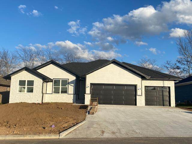688 Greer Avenue, Nixa, MO 65714 (MLS #60178884) :: Team Real Estate - Springfield