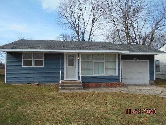 1017 S Park Avenue, Aurora, MO 65605 (MLS #60178928) :: Team Real Estate - Springfield