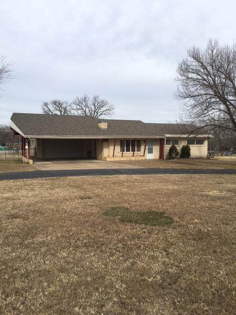 111 Lee Street, Forsyth, MO 65653 (MLS #60181928) :: Clay & Clay Real Estate Team