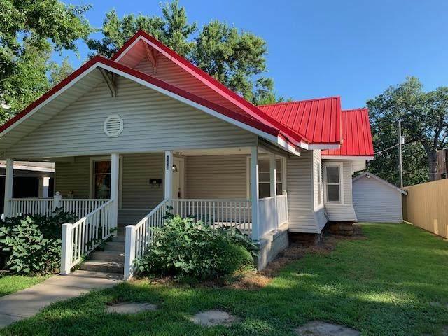 113 W Hickory Street, El Dorado Springs, MO 64744 (MLS #60183211) :: United Country Real Estate