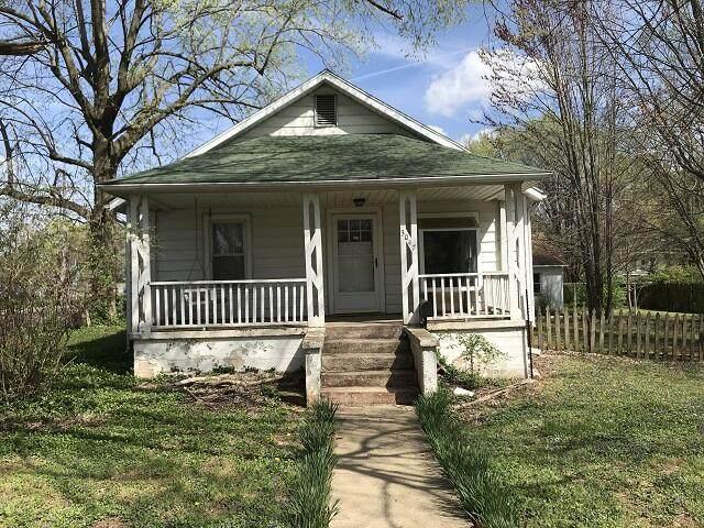 3047 W Walnut Street, Springfield, MO 65802 (MLS #60187237) :: The Real Estate Riders