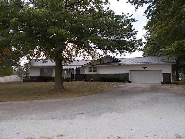 1600 E Sycamore Street, Monett, MO 65708 (MLS #60188487) :: Team Real Estate - Springfield