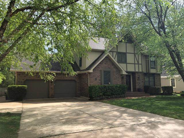2452 E Raynell Street, Springfield, MO 65804 (MLS #60189610) :: Winans - Lee Team | Keller Williams Tri-Lakes