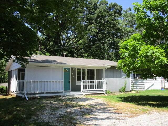 2727 N Kellett Avenue, Springfield, MO 65803 (MLS #60193893) :: The Real Estate Riders