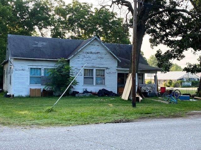 403 Oak Avenue, Aurora, MO 65605 (MLS #60196743) :: United Country Real Estate