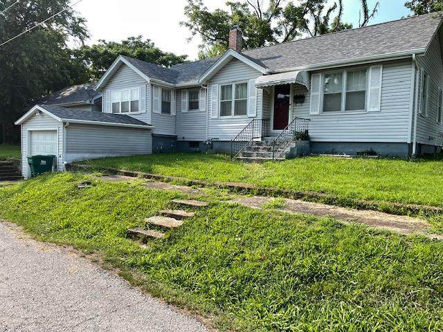 401 W 4th Street, Willow Springs, MO 65793 (MLS #60196972) :: Team Real Estate - Springfield