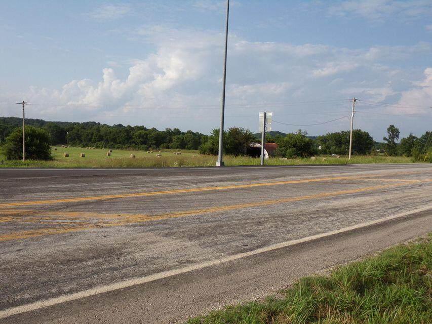 539 Highway H - Photo 1