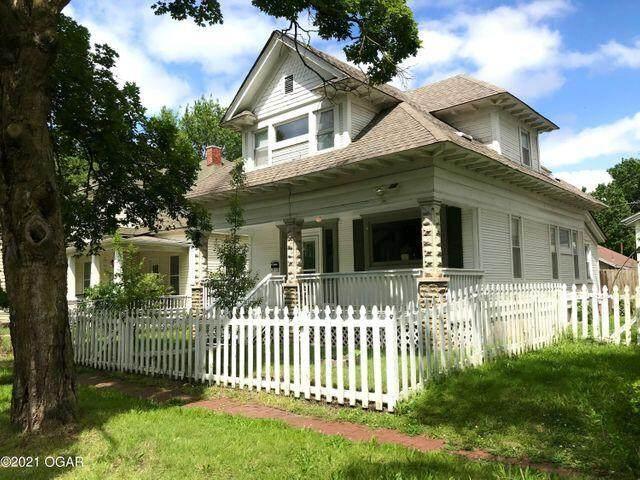823 S Jackson Avenue, Joplin, MO 64801 (MLS #60200420) :: Sue Carter Real Estate Group