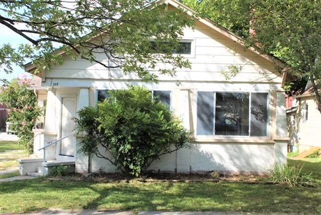 117 E Locust Street, Aurora, MO 65605 (MLS #60201004) :: Lakeland Realty, Inc.