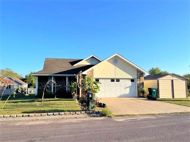 801 Clay Street, Mountain Grove, MO 65711 (MLS #60202499) :: Sue Carter Real Estate Group