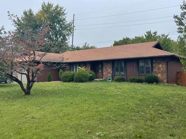 2273 E Meadow Drive, Springfield, MO 65804 (MLS #60203417) :: Sue Carter Real Estate Group