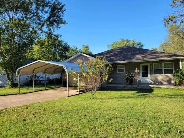 1441 West Fourth Street, West Plains, MO 65775 (MLS #60203652) :: Sue Carter Real Estate Group