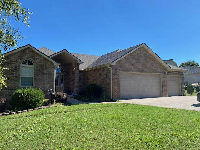 2120 Oak Ridge Drive, Ava, MO 65608 (MLS #60203692) :: The Real Estate Riders
