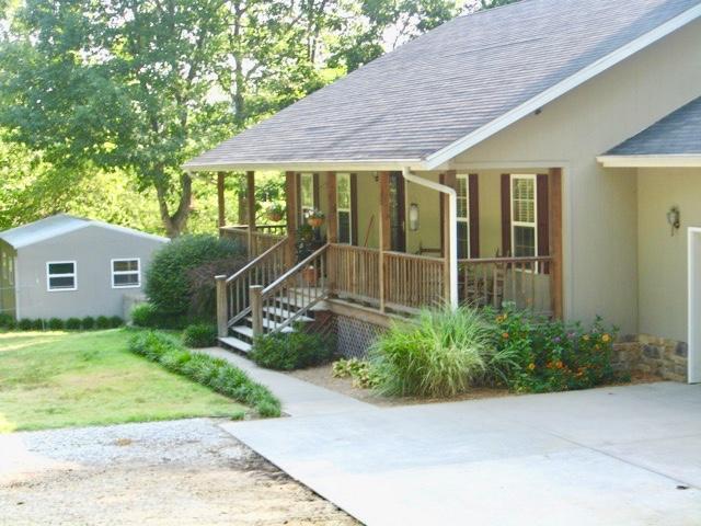 555 Rocky Acres Lane, Highlandville, MO 65669 (MLS #60106854) :: Team Real Estate - Springfield