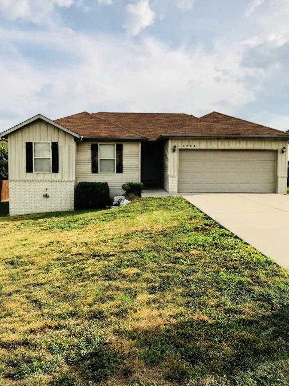 1203 W Canton Court, Ozark, MO 65721 (MLS #60114151) :: Team Real Estate - Springfield