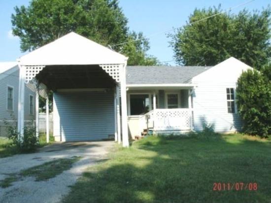 1068 S Thelma Avenue, Springfield, MO 65807 (MLS #60117651) :: Good Life Realty of Missouri