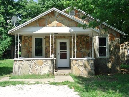 1619 N Marlan Avenue, Springfield, MO 65803 (MLS #60117709) :: Good Life Realty of Missouri