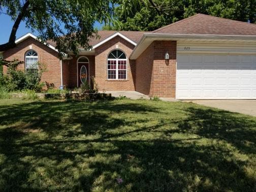 829 Pershing Street, Willard, MO 65781 (MLS #60138290) :: Sue Carter Real Estate Group