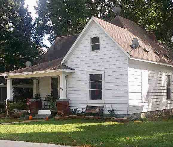 812 W Elm Street, Springfield, MO 65806 (MLS #60148142) :: The Real Estate Riders