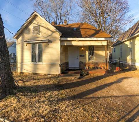 937 W Elm Street, Springfield, MO 65806 (MLS #60153687) :: Sue Carter Real Estate Group