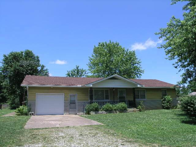 901 W Long Street, Mountain Grove, MO 65711 (MLS #60158171) :: Clay & Clay Real Estate Team