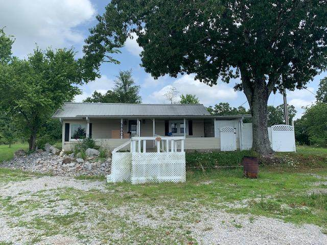 5860 Hwy 19, Thayer, MO 65791 (MLS #60166956) :: Clay & Clay Real Estate Team